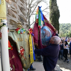 "SANT MEDIR arribada de la bandera a sant Medir • <a style=""font-size:0.8em;"" href=""http://www.flickr.com/photos/51371634@N05/46353949565/"" target=""_blank"">View on Flickr</a>"