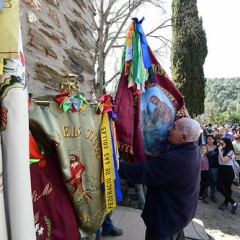 "SANT MEDIR arribada de la bandera a sant Medir • <a style=""font-size:0.8em;"" href=""http://www.flickr.com/photos/51371634@N05/40303904123/"" target=""_blank"">View on Flickr</a>"