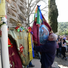 "SANT MEDIR arribada de la bandera a sant Medir • <a style=""font-size:0.8em;"" href=""http://www.flickr.com/photos/51371634@N05/40303903643/"" target=""_blank"">View on Flickr</a>"